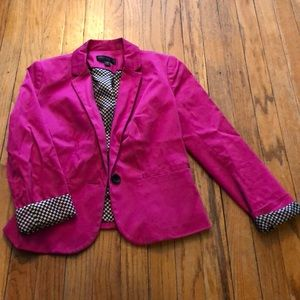 Magenta fitted blazer with checker detail